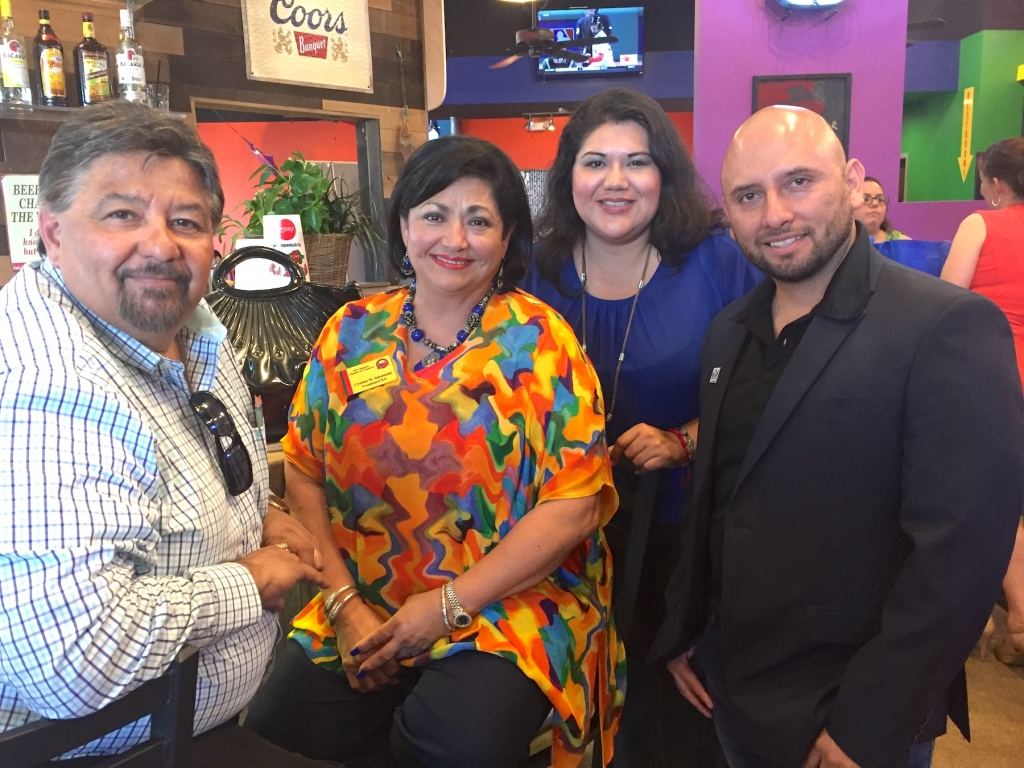 UETA's Roel Delgado, RGV Hispanic Chamber CEO Cynthia Sakulenzki, Entravision's Flower Guerrero and Logos' Victor Sotomyor enjoy the RGV Hispanic Chamber of Commerce's Manic Monday Mixer at Fuzzy's Taco Shop in McAllen. (VBR)