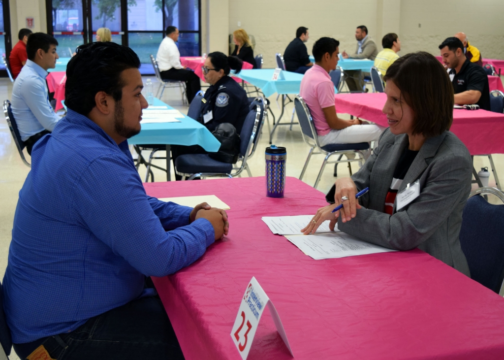 TSTC Interview Practicum volunteers guide students through mock job interviews. (photo TSTC)