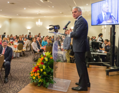 U.S. Hispanic Chamber of Commerce President Javier Palomarez speaks to Valley civic and business leaders. (Courtesy)