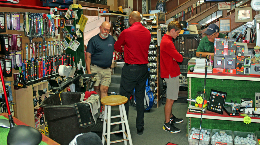Customers seek advice at Elliott's Custom Golf in Harlingen. (VBR)