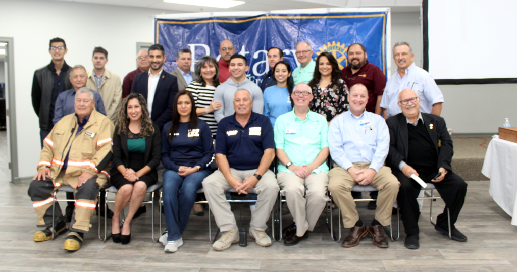 Los Fresnos, Rotarians and Matamoros officials pose for the camera before the donation took place.